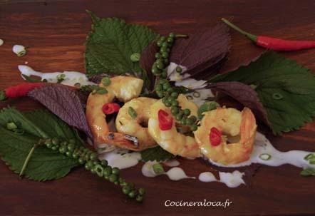 Crevettes au poivre vert et lait de coco, feuilles de Shiso