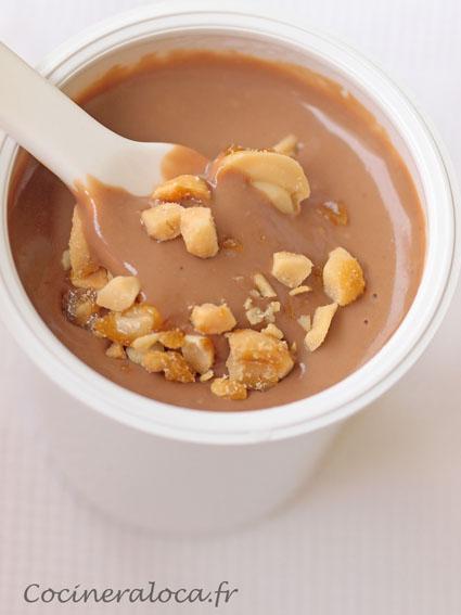 Crème au chocolat au lait et cacahuètes ©cocineraloca.fr
